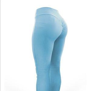 Acaiberry Fashion pants + Melissa Molinaro